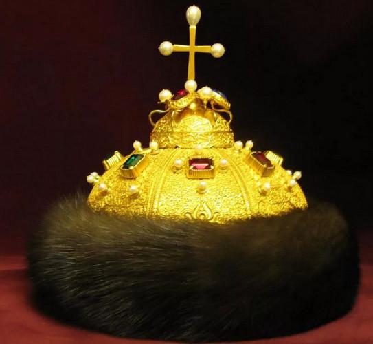 Шапка Мономаха -подарок хана