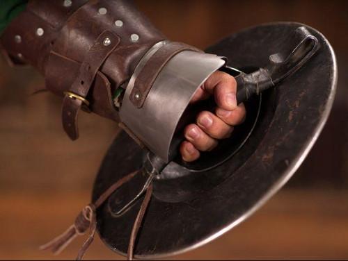 Баклер — Рыцарский кулак
